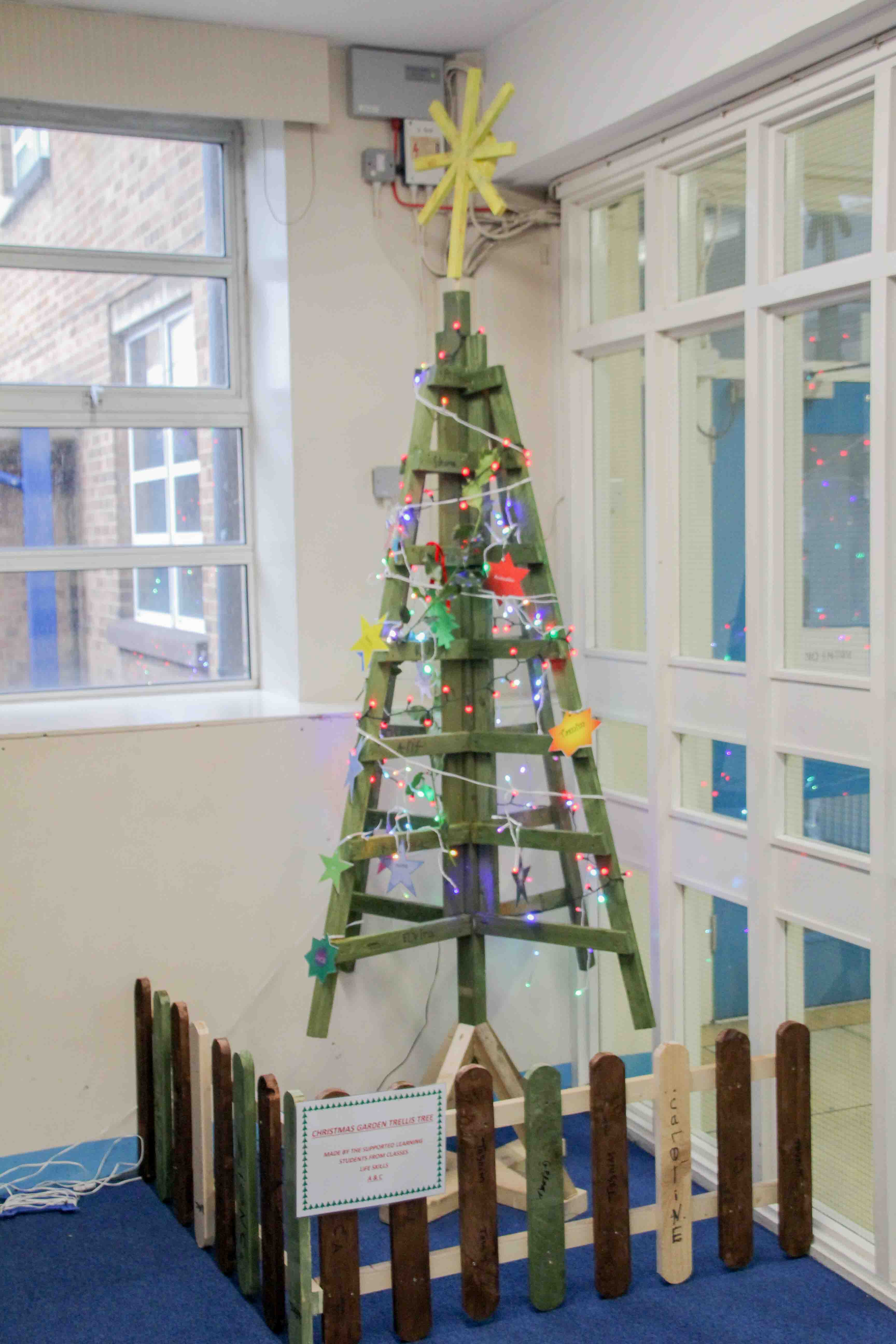 christmas supported learning trellis tree